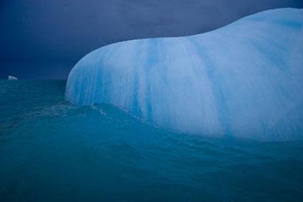 antarcticcurvilinariceberg2005